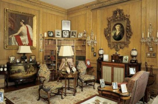Hillwood Museum, Mansion Library